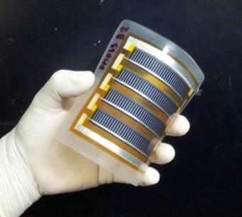 เซลล์แสงอาทิตย์แบบงอได้โดยสร้างบนฐานรองโพลิอิไมด์